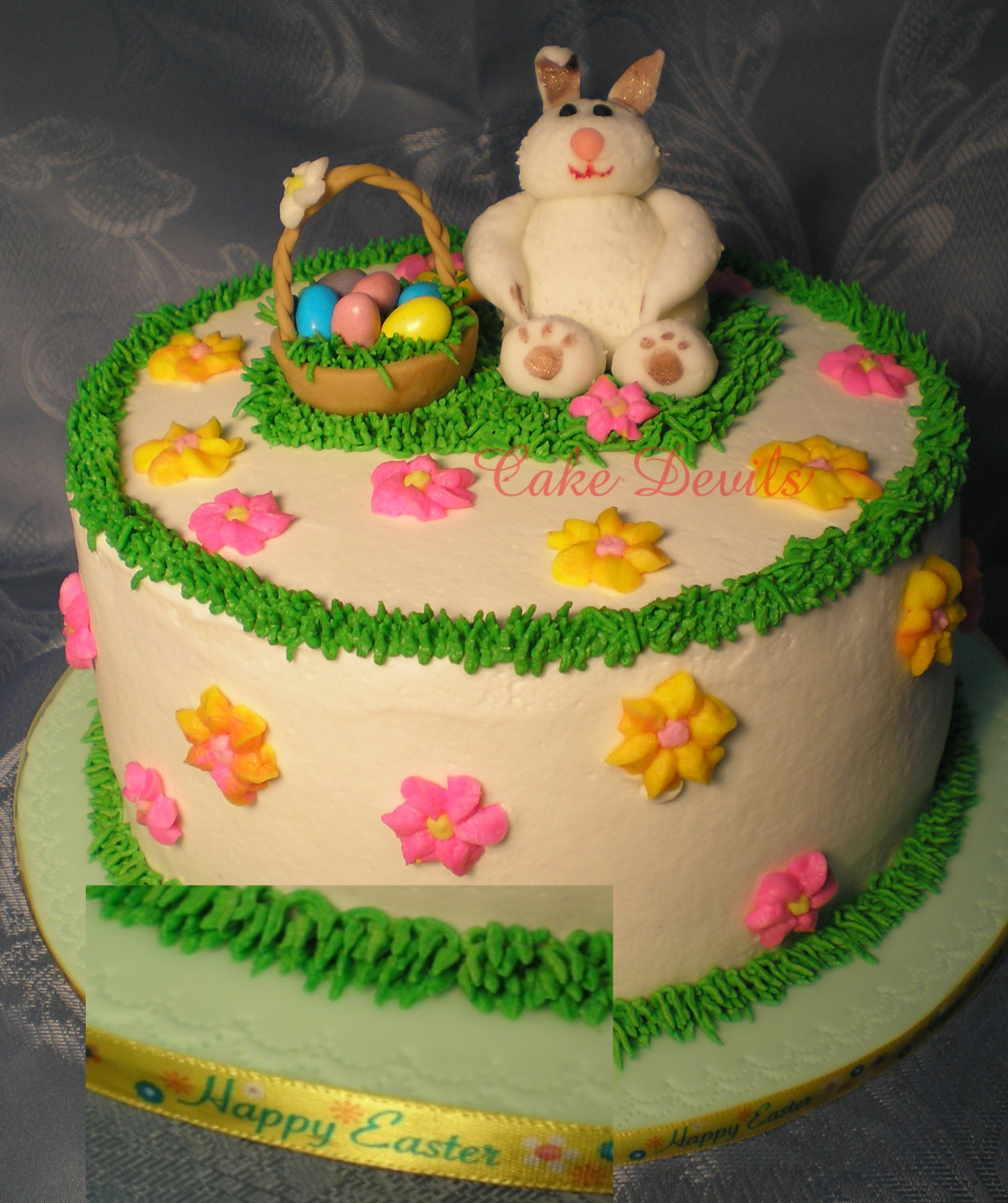 Fondant bunny rabbit animal cake topper bunny cake for Animal cake decoration