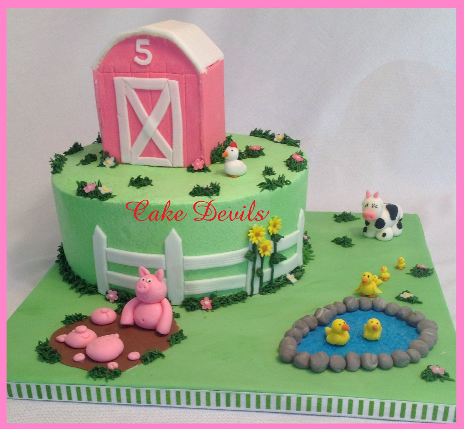 Barn animal fondant cake topper kit farm animal cake for Animal cake decoration